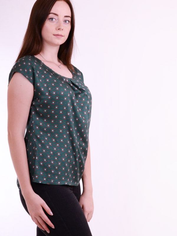 Blouse with geometric print B75